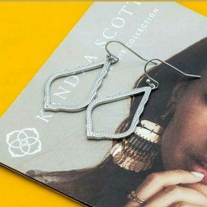 NWT Kendra Scott SOPHIA Earrings in Silver